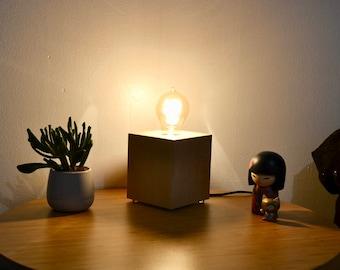 solid oak wood cube table lamp