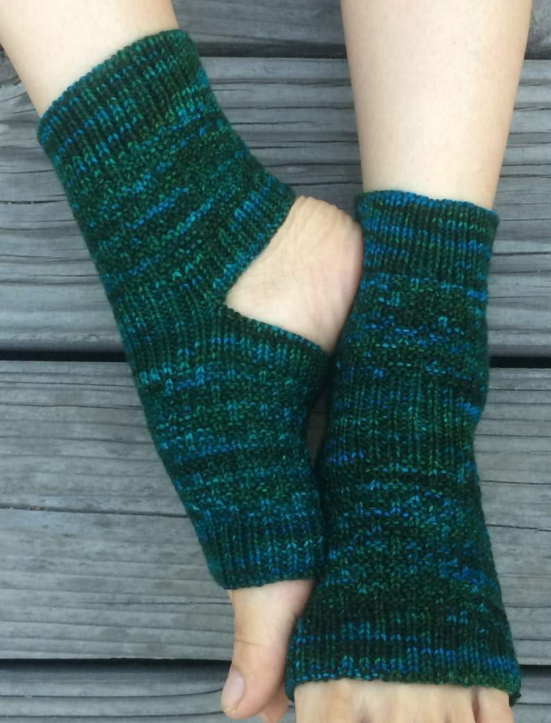 Toeless Socks Pedicure Sandals Yoga Hand Knit Leg warmers Fashion Spa Bed Flip Flop House Envy