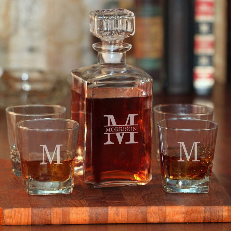 67d08fd61bc1 Whiskey Decanter   Personalized Decanter Set with Rock Glasses   Decanter  Set   Engraved Decanter   Groomsmen Gift   Gift for Men   Decanter