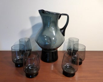 Large midnight blue jug / pitcher and six matching glasses – original from the 1960s