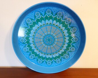 Blue tin tray with mandala effect pattern – original from the 1970s