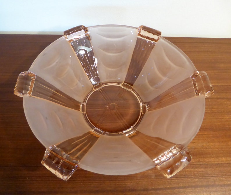 Set of pink depression glass bowls \u2013 one large /& six small \u2013 original from the 1930s40s