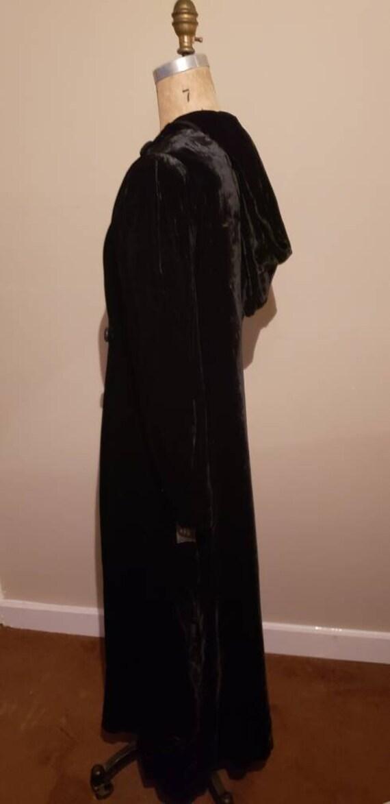 Elegant 1940s Opera Coat - image 2