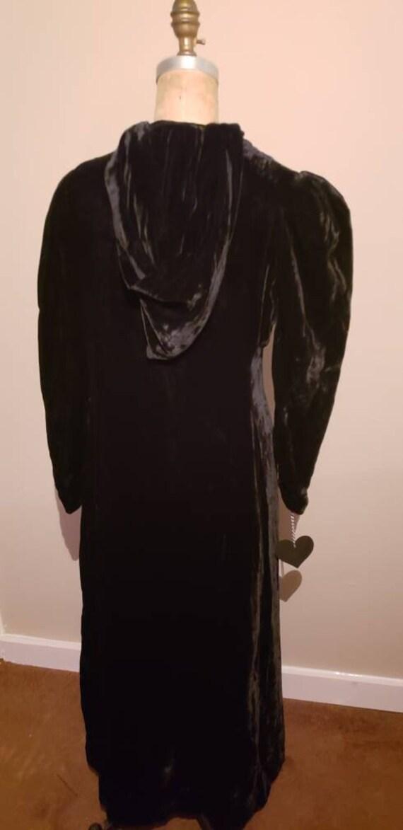 Elegant 1940s Opera Coat - image 3
