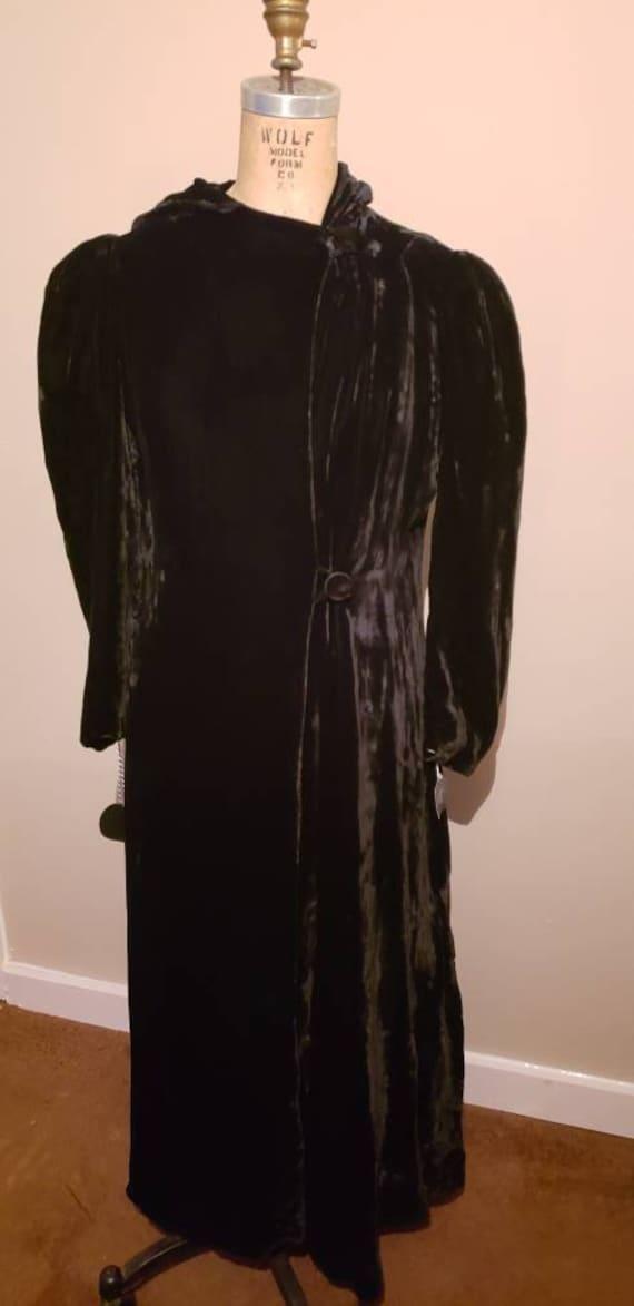 Elegant 1940s Opera Coat - image 1