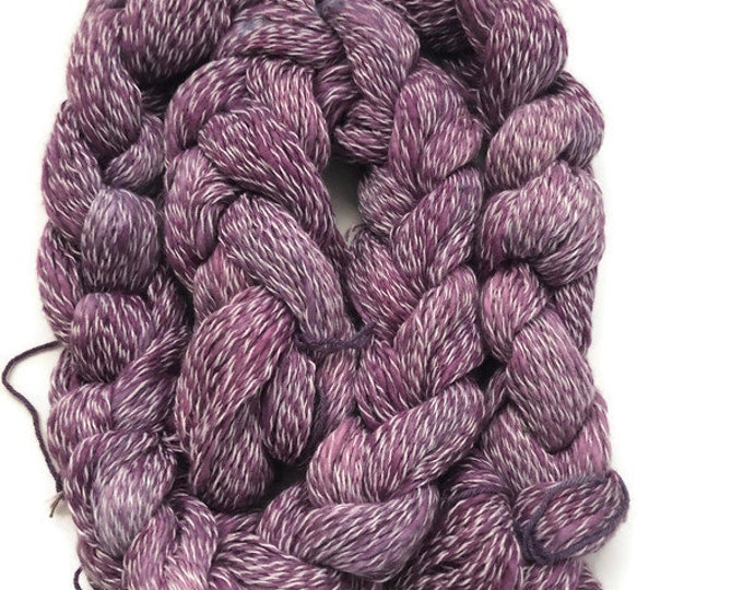 Hand-dyed, pre-wound weaving warp, cotton slub with synthetic binder, 100 ends, 5 yards long, in shades of purple with white