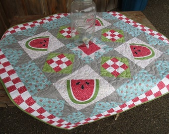 Watermelon Quilted Table Runner for Summer Tablecloth Large Square Table Topper Red White Checkered Nine Patch Lap Quilt Summer Party Decor