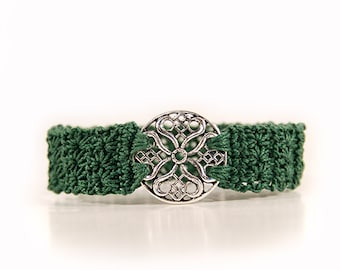 Crocheted bracelet - gothic jewelry - gothic bracelet - made to measure - green bracelet - crochet jewellery - ornament - silver