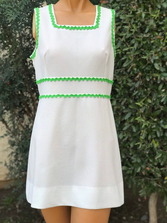 1970s Vintage Polyester Tennis Dress. Made by Court 1 Size 1516 38