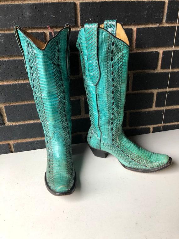 vintage boots ,sz 7.5  women cowboy boots-turquois