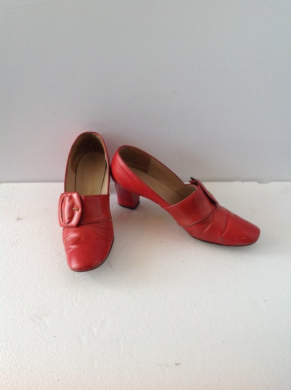 11dcfe08ab019 sz 7a vintage 60s tomato red leather low heel shoesloafer-