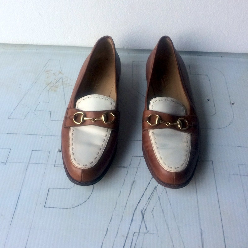 63d54dd71d1 Sz 8.5 vintage GUCCI walking shoes chestnut brown patent