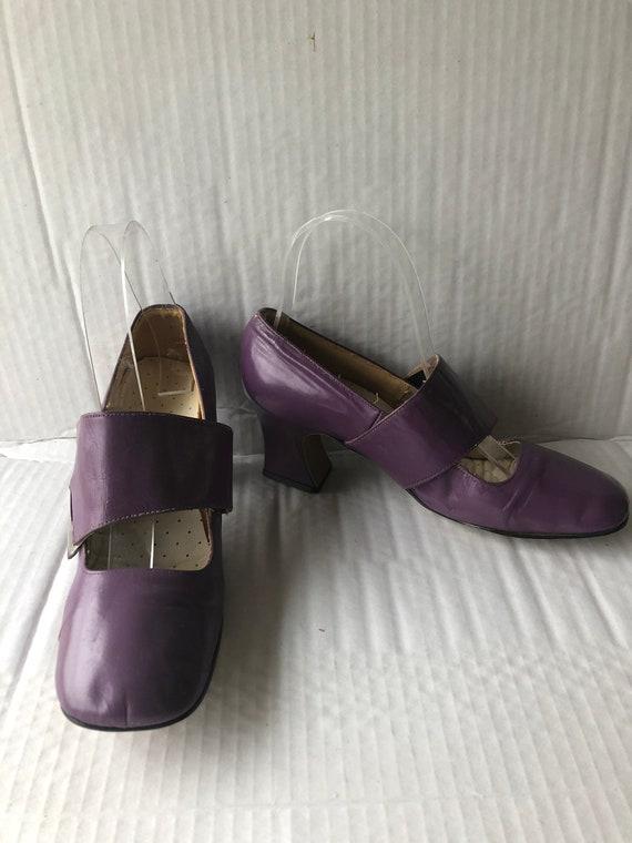 retro vintage1960s unique shoes-purple leather buc