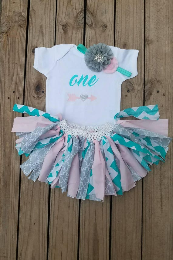 Custom Party Shop Baby Girls Novelty Arrow First Birthday Outfit 2T Pink and Black