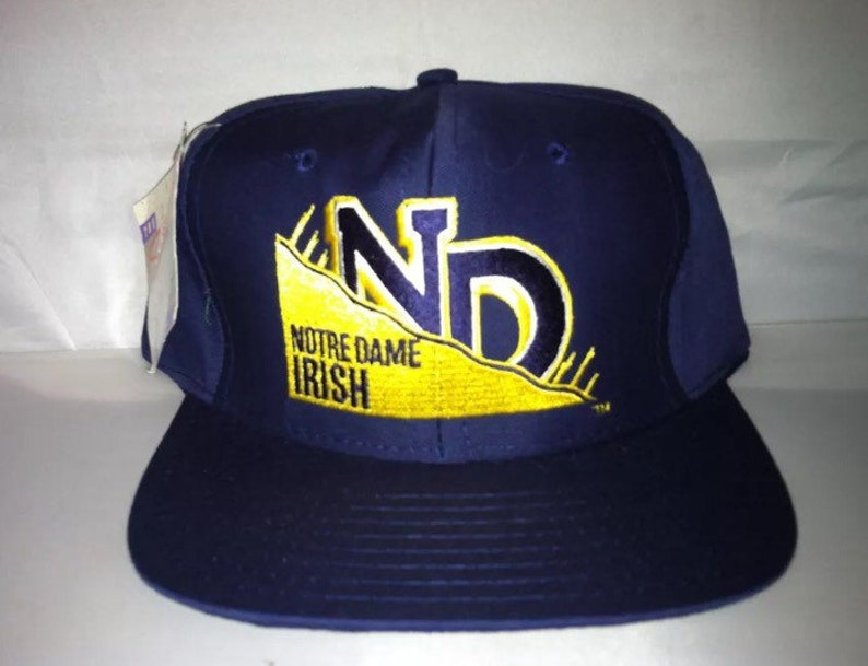 new concept 2c8f1 3a8d3 Vintage Notre Dame Fighting Irish Snapback hat cap rare 90s   Etsy