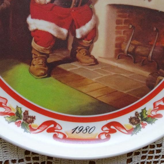 UNIQUE ITEM Coca-Cola  1980 Melamine Christmas Santa Plate