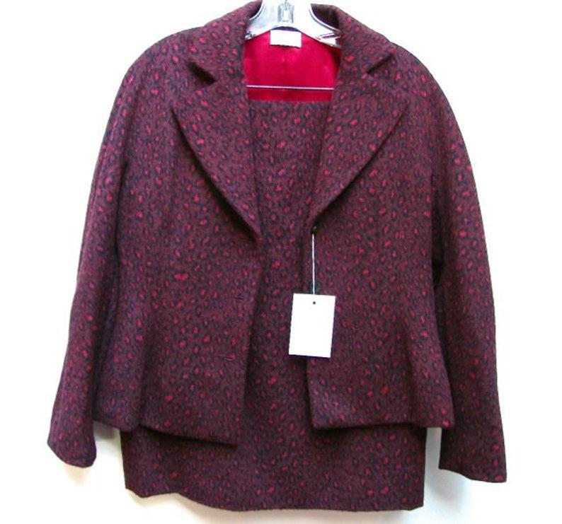 Burgundy Animal Print Fleece Women\u2019s Skirt Suit Size 10 Bill Blass for Sax Fifth Ave