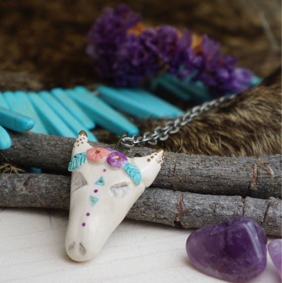 Boho flower cow skull ceramic Necklace Totem Jewelry, Miniature hedgehog, hedgehog Figurine, Boho Jewelry, ceramic animal jewelry