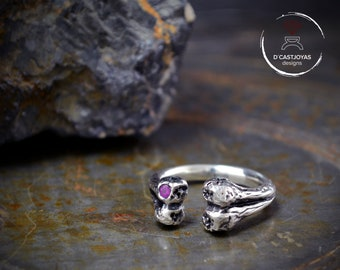 Bone ring in solid Sterling silver with natural stone,  Eskeleton ring