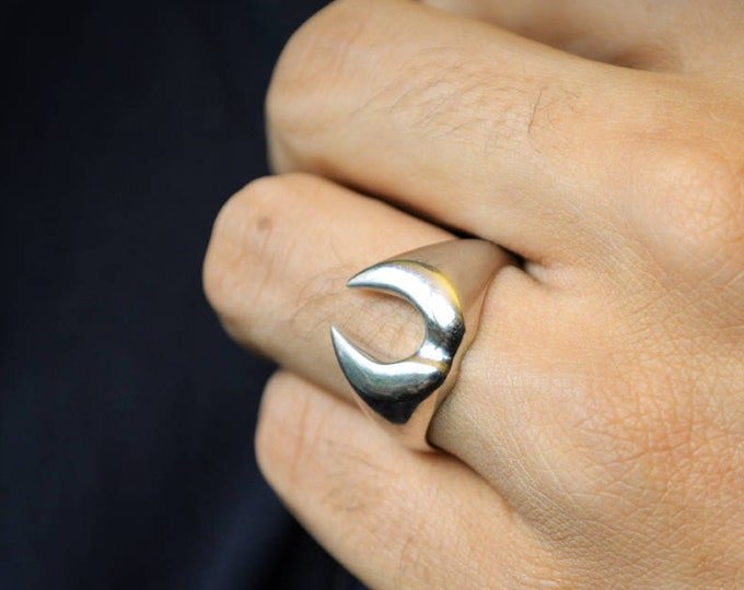 Silver fangs ring, Sterling ring for men, Halloween jewelry, Contemporary jewelry, Urban style, Handmade ring, Goth