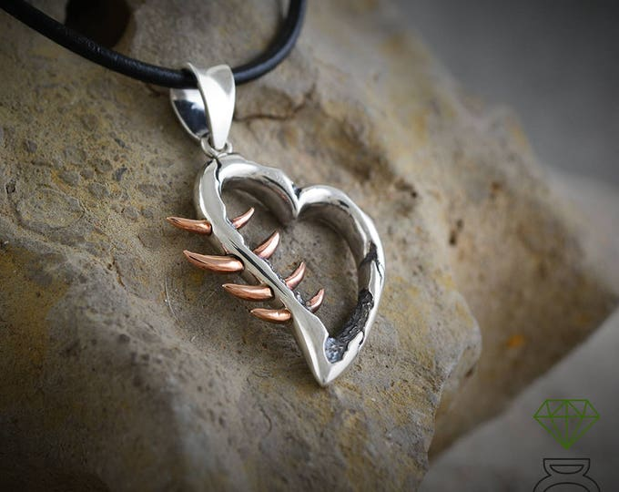 Silver Heart pendant, Silver pendant for men, Brutalist pendant, Corazón Espinado Pendant, Goth, Silver necklace Mens Jewelry Hand Made