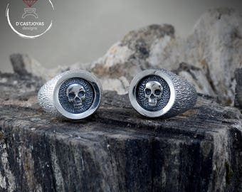Sterling Silver Signet Ring, Silver Skull signet Ring, Rustic ring Men, Badass jewelry, Handcrafted Ring, Memento mori, Biker ring