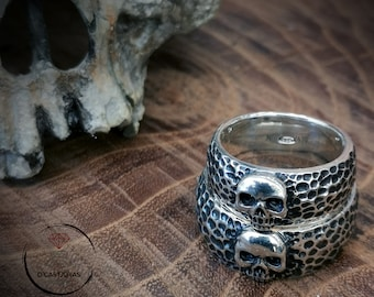 Skull wedding ring with hammered textures, Skull alliances, Biker wedding rings, Gothic alliances, Punk bride gift