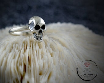 Small skull silver ring, Sterling silver Mini Engagement Skull band ring,  Smiling skull, Cool Halloween gift,  Gothic jewelry, Punk style