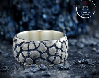 Sterling silver band ring with snake skin textures, Oxidised Sterling ring,  Mens silver ring, Cool mens ring, Urban jewelry