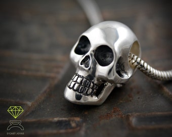Sterling skull pendant, Halloween jewelry, Skull with stones, Unisex pendant, Gothic bride jewelry, Handcrafted pendant, Punk jewelry