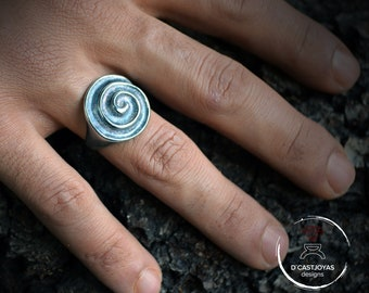 Celtic spiral ring for men, Silver signet ring, Viking jewelry