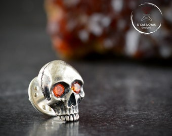 Sterling Silver skull brooch with gemstones and oxidised textures, Silver skull tie clip, Memento mori jewelry