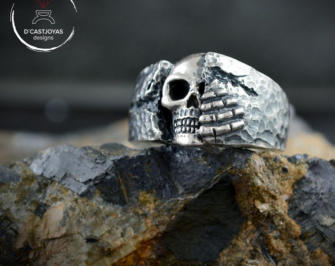 Silver skull ring, Oxidised Silver band ring for men, Winter is coming Ring, Halloween ring, Badass jewelry, Cool mens ring,  Handmade ring