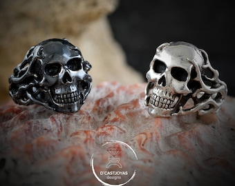 Solid silver ocean skull ring with seaweed, Memento mori ring, Cool men ring