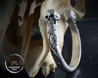 Skull bangle with roses and thorns in solid Sterling silver, Memento mori bracelet