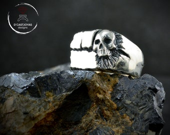Silver rock skull ring, Broken square signet ring with carved skull, Badass jewelry, Cool man ring, Mens Jewelry, Handmade ring