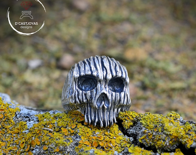 Silver rustic skull ring, Forest Skull Ring,  Badass ring, Cool man ring, Tree Bark Textures Ring, Mens Jewelry, Memento Mori