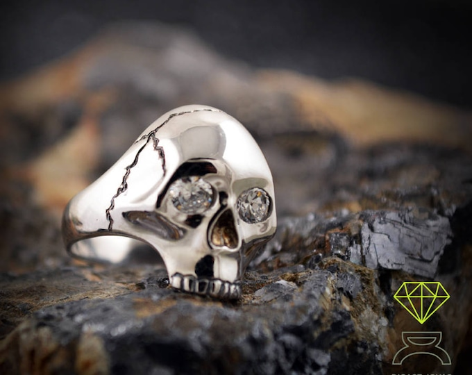 Silver Skull Ring with gemstones, Silver Skull, Memento Mori ring , Handmade ring, Unisex jewelry, Skulls jewelry, Gothic alliances