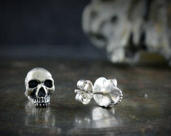 Skull Memento mori earrings in solid Sterling silver
