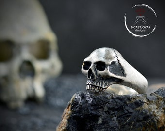Solid silver skull ring for men and woman., Memento mori ring
