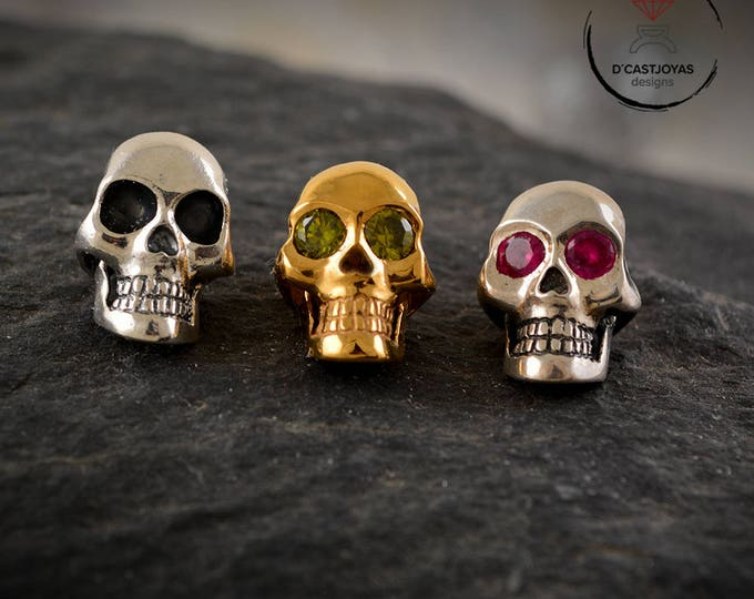 Sterling silver skull pendant for men, Skull necklace with stones, Unisex pendant, Gothic jewelry, Handcrafted pendant, Punk jewelry