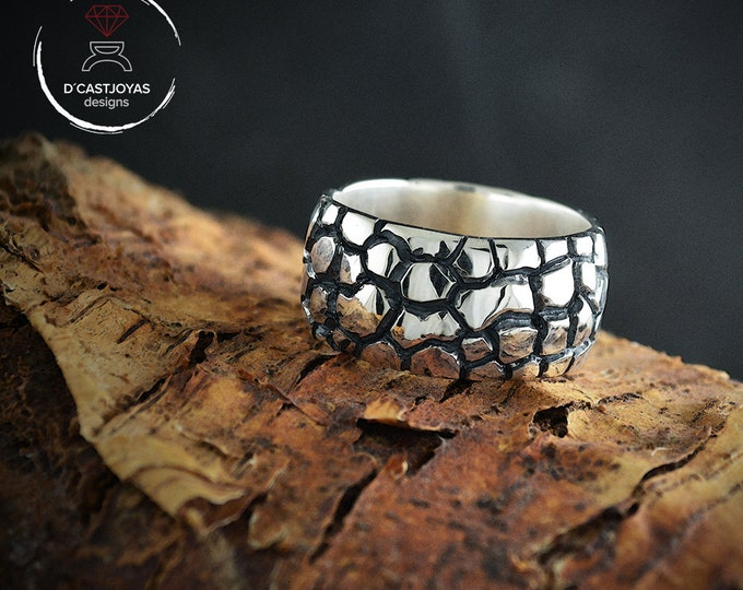 Sterling silver band ring with snake skin textures, Oxidised Sterling ring,  Mens silver ring, Cool mens ring, Urban jewelry, Christmas gift