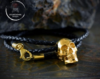 Skull pendant in Sterling silver and 22k gold plated,  Memento mori pendant for men and woman