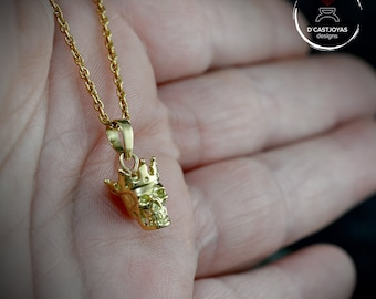 18k Gold king skull pendant, Gold pendant for men, Gothic bride, Skull jewerly, Handcrafted pendant, Biker jewelry, Cool gift for him