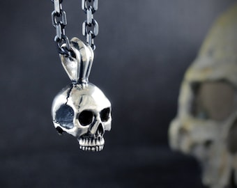 Silver skull pendant Keith Richards without jaw with oxidised textures