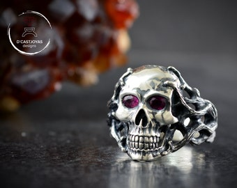 Solid silver ocean skull ring with natural rubies and rustic textures, Lovecraft ring, Memento mori ring