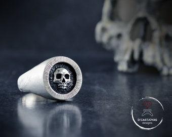 Solid  silver signet skull ring, Memento Mori, Mens skull ring, Badass jewelry