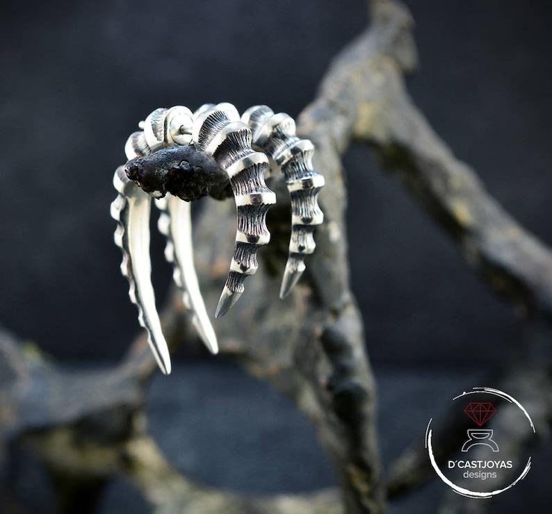 d0b5e04612a3 Pendiente de Aro Plata Cuerno Dragón Falso dilatador plata