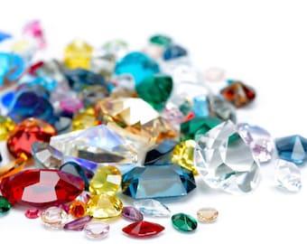 Supplement set natural stones in small skull pendants, Birthstone