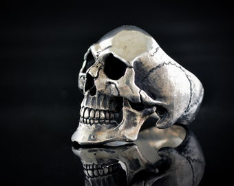 Large skull ring in Sterling silver, Realistic human Skeleton, Biker jewelry, Rock and Roll , Memento mori